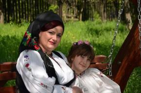 Crina și Alecsia  Maria Prața