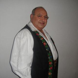 Ion Ghiţulescu a început să cânte fără acordul părinţilor