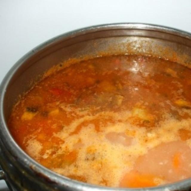Ciorba de fasole pastai cu iaurt