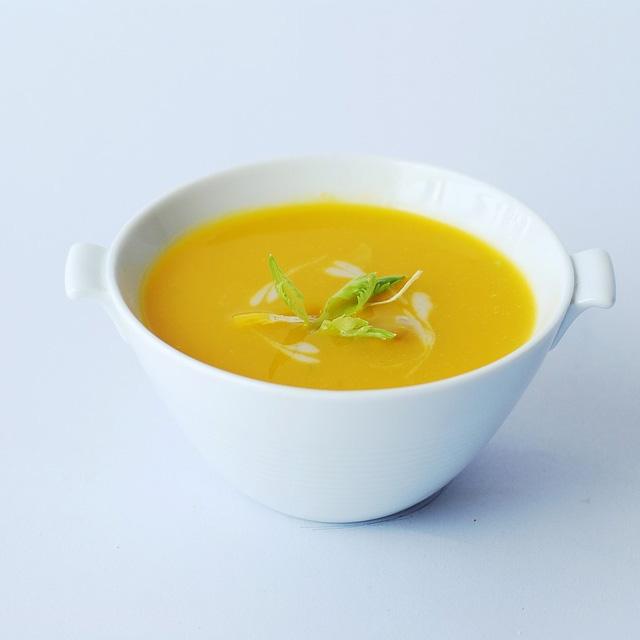 Supa crema din dovlecei si cartofi