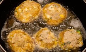 CHIFTELE  din oua si cartofi