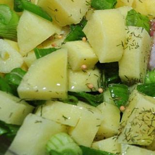 Cartofi cu ceapa verde la cuptor de post