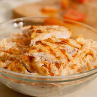 Salata de pui cu telina, morcov si mar